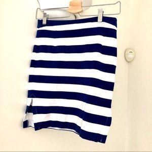 Beautiful stretchy Striped Skirt - Size 0.